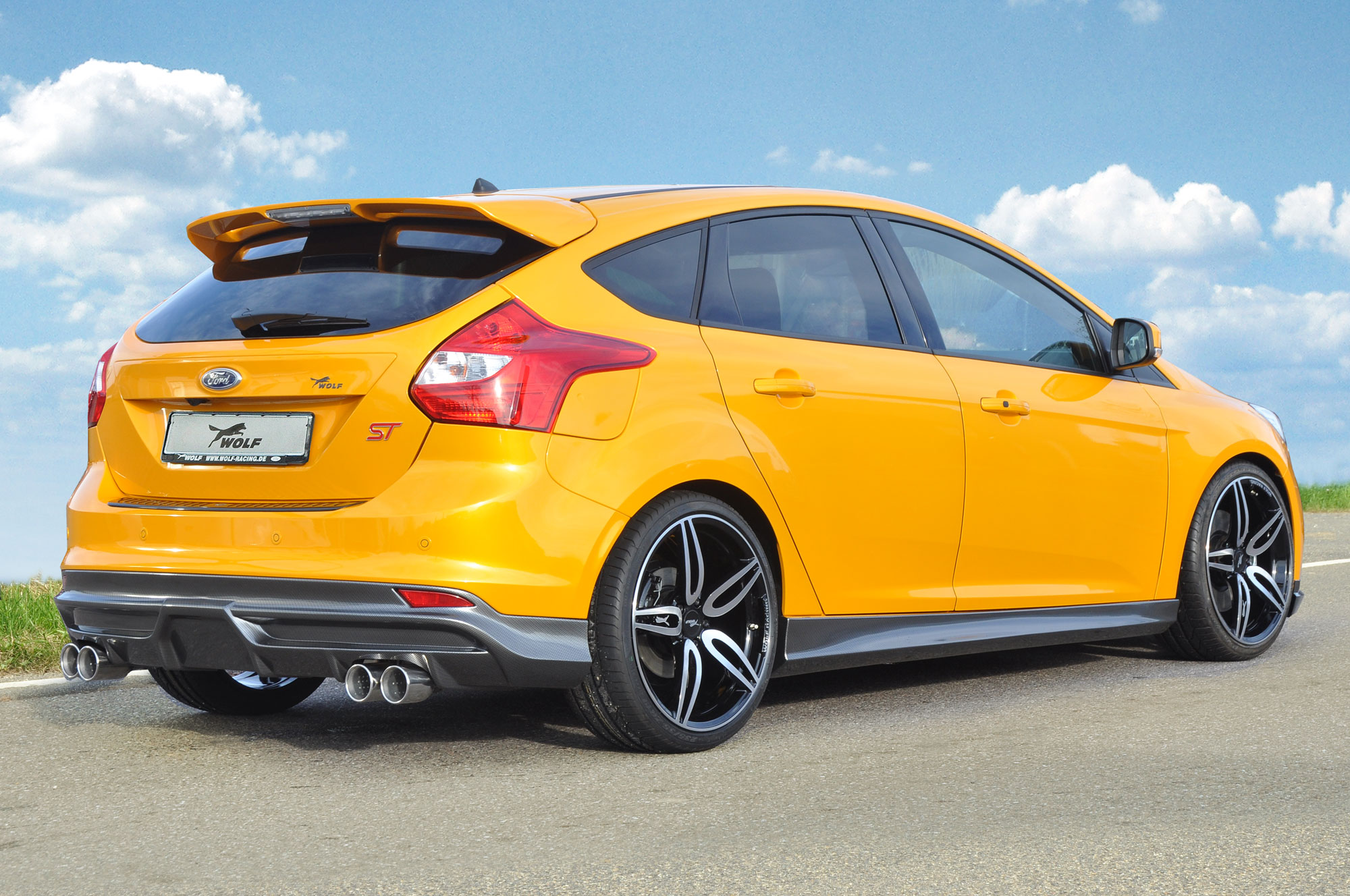 Пороги Carbon-Look на Ford Focus 3 ST 11-