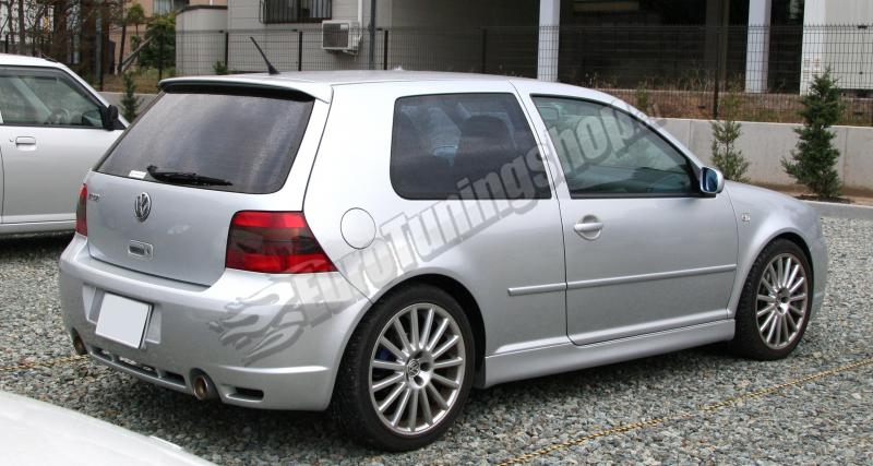 Пороги VW Golf Mk4 R32-Look Maxton Design 3door